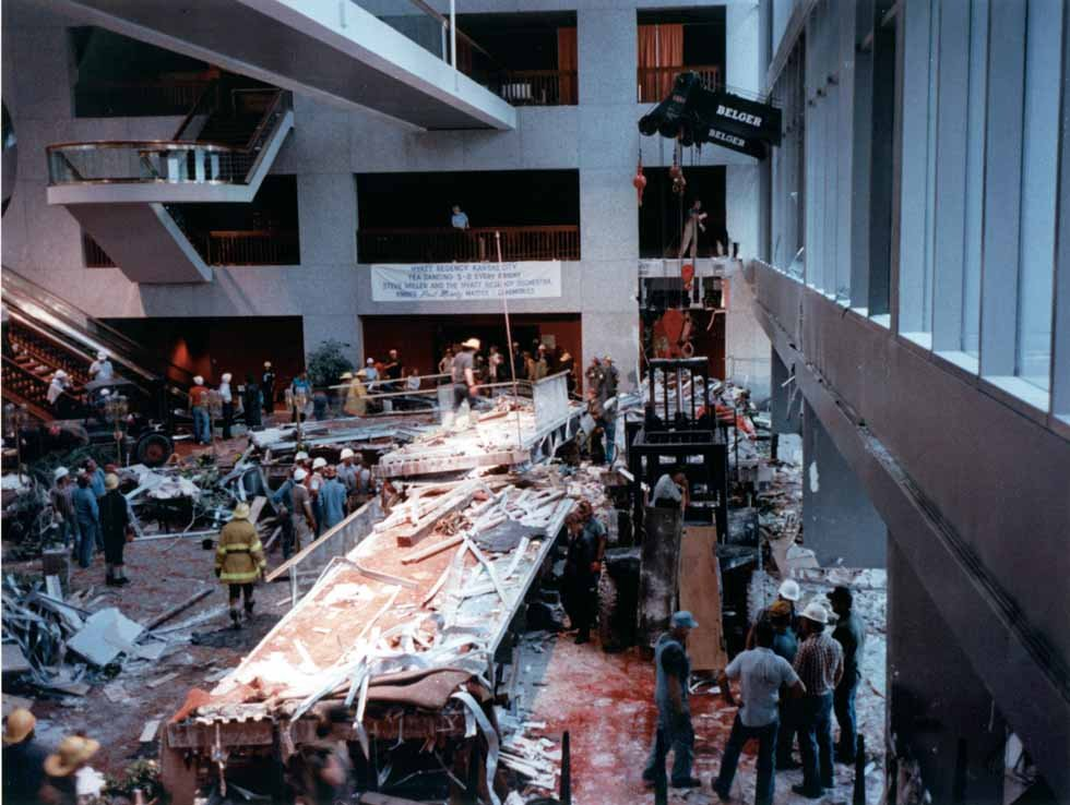 Sheraton Kansas City Hotel At Crown Center - New Crown Center Hotel owner donating to fatal collapse memorial ...