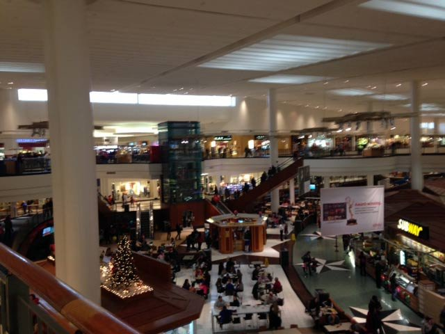 Independence Center Mall was relatively quiet the day after the disturbance. (DeAnn Smith/KCTV)