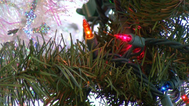 Donate artificial Christmas trees to benefit families in need - KCTV5