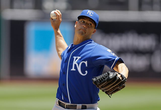 Kansas City Royals pitcher Jeremy Guthrie works against the Oakland Athletics in the first inning of a baseball game Sunday, June 28, 2015, in Oakland, Calif. (AP Photo/Ben Margot)