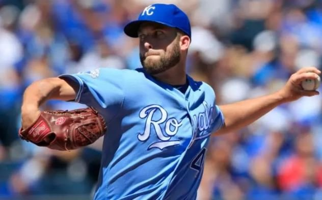 Royals place pitcher Danny Duffy on the 10-day DL
