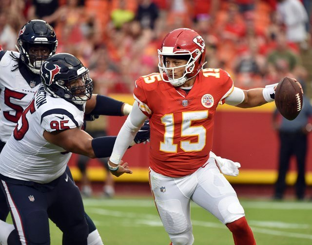 Chiefs offensive line has crucial job in protecting Pat